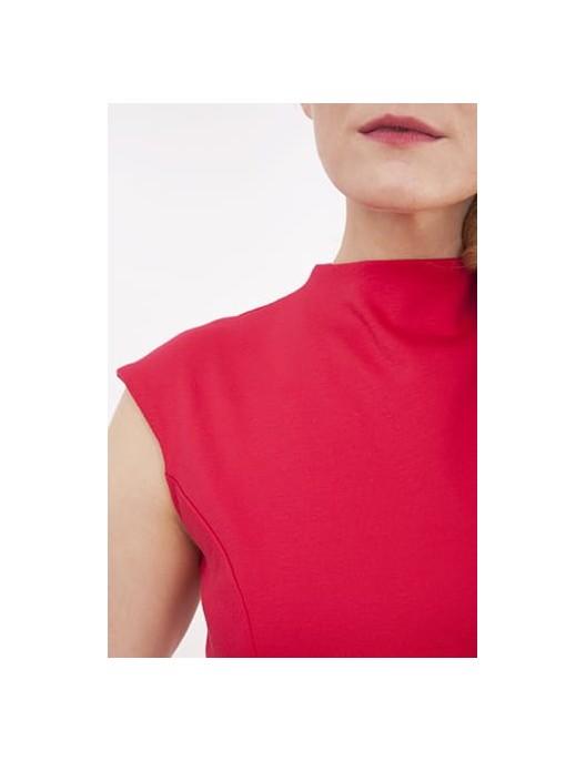 Czerwona sukienka z owalnym...