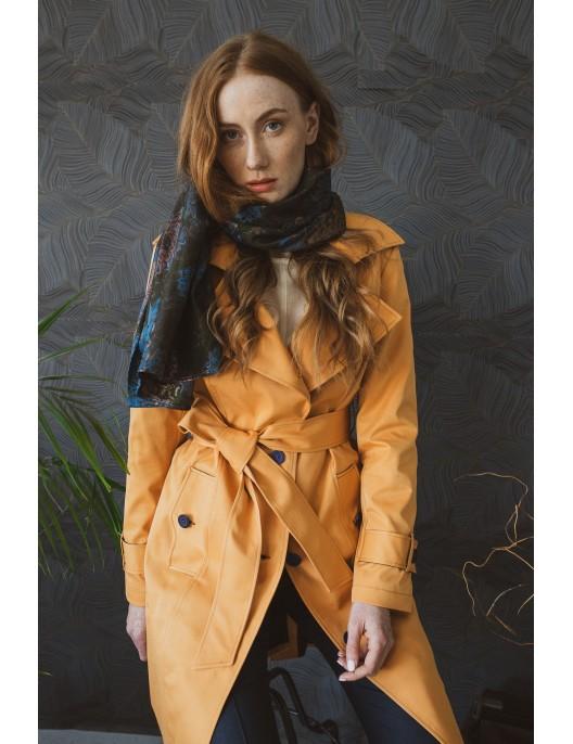 Pomarańczowy płaszcz wiosenny