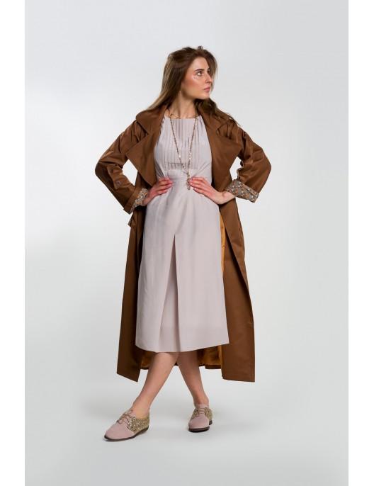 Delicate silk dress in...