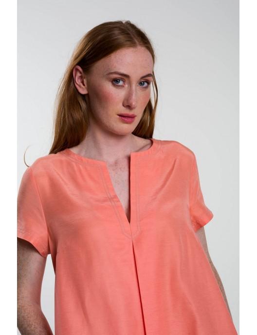 Twiggy dress in light peach...